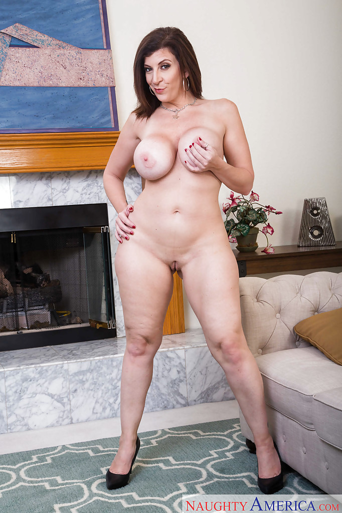 chubby girl naked in tight panties