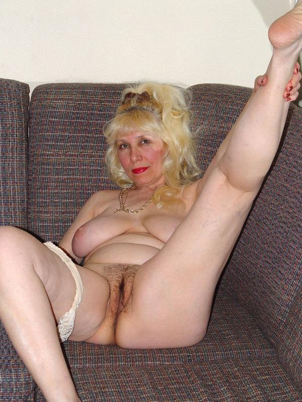 Hairy blond mature gets stretched