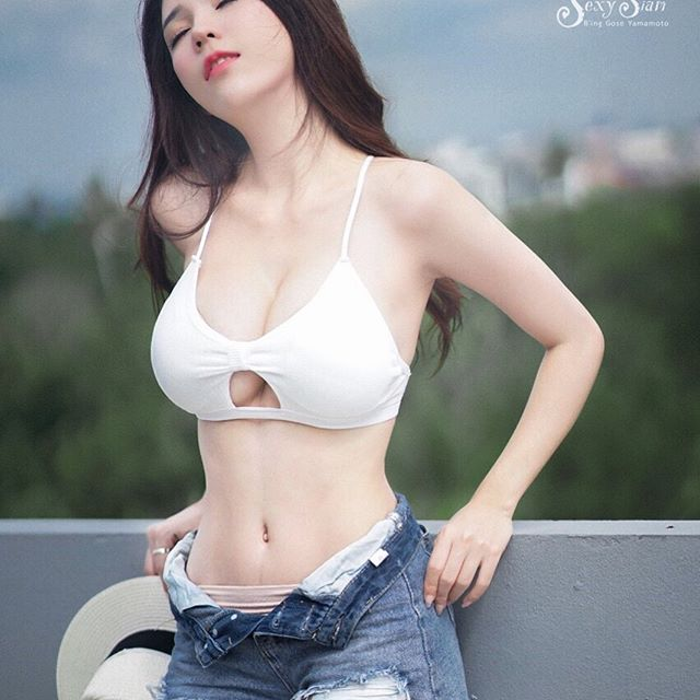Hot asian girls pictures